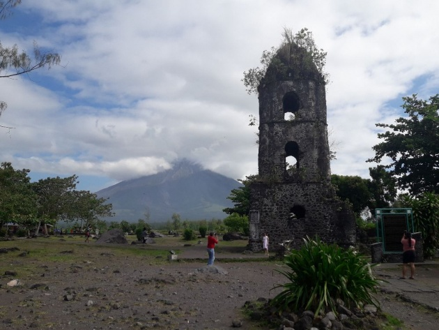 mayon_volcano_eruption_2018