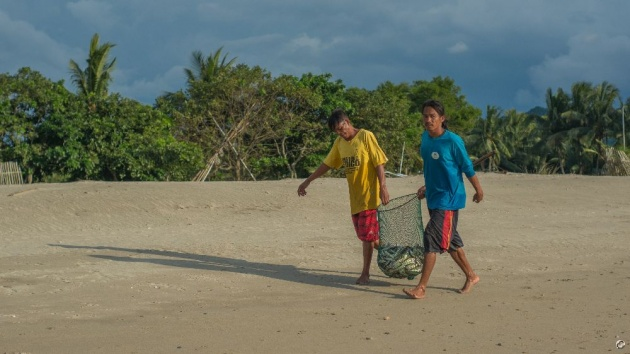 poblacion_beach_sipalay