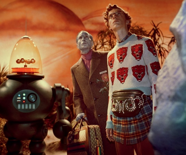 robots_and_humanoids_in_fashion