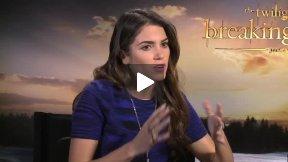 "Elizabeth Reaser and Nikki Reed Interview ""Twilight Saga: Breaking Dawn Part 2"""