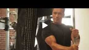 ARNOLD immer noch TOP FIT !!